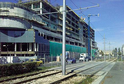 Спряха строеж на столичен МОЛ