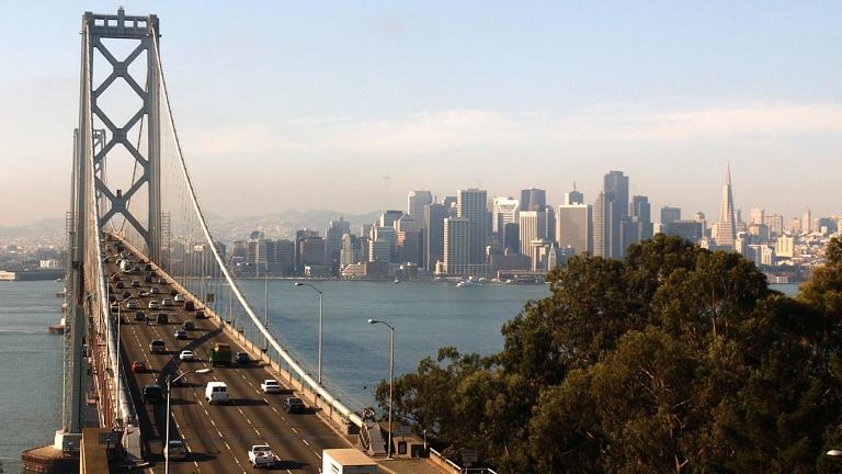 60% от жителите на Калифорния харчат над 2/3 от приходите