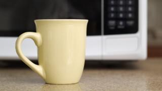 Защо да не приготвяме чай в микровълнова