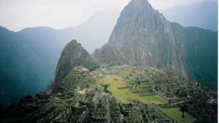 14 туристи загинаха при катастрофа с хеликоптер в перуанските Анди