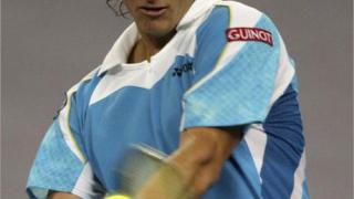 Налбандян придружи Федерер на полуфинал