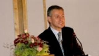 Паси: Изборите и скандалите са един голям срам за България