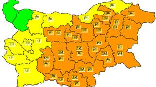 26 области с оранжев и жълт код за дъжд, вятър и сняг