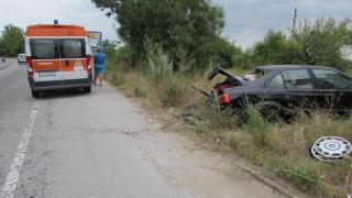 Жена загина при сблъсък между автомобил и цистерна