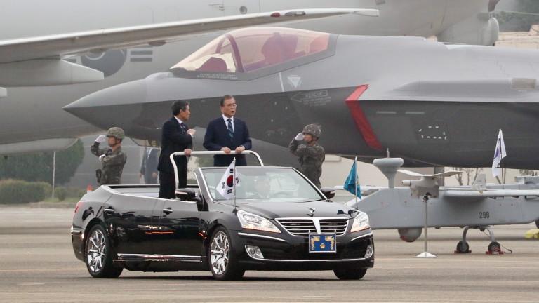 Южна Корея за първи път показа изтребителите си Ф-35 на