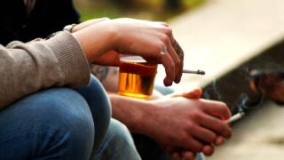 Къде по света хората плащат най-много за цигари и алкохол и къде - най-малко