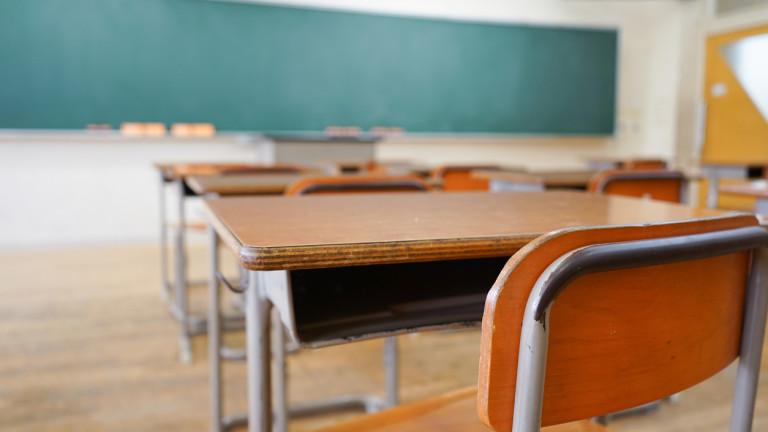 Кетъринг в класните стаи на училища в Бургас заради коронавируса