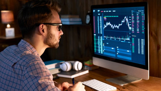5 причини да започнете с търговията на акции още сега