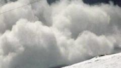 Лавина помете алпинисти в Северен Джендем