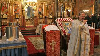 """Епископ Николай отслужи Велик водосвет в """"Света Неделя"""""""