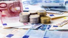 Франция намали данъка върху доходи до €1,7 хиляди месечно