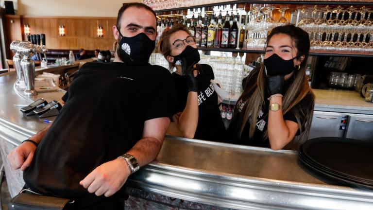 Носенето на маска за лицеставазадължително от събота в белгийски магазини,
