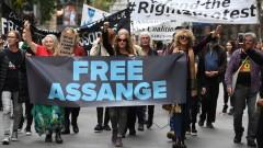 Асандж бил свързан с руски хакери, живеещи в Еквадор
