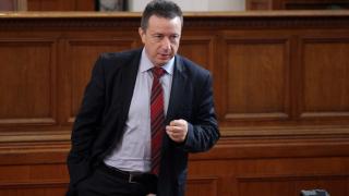 Разделени за тоталитаризма, депутатите зоват за обединение