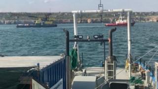 С два крана и два влекача освобождават заседналия край Яйлата Vera SU