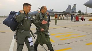 Българският президент полетя на американски изтребител F-15