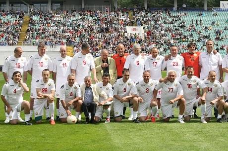 Звездите на България играха за Стилиян Петров