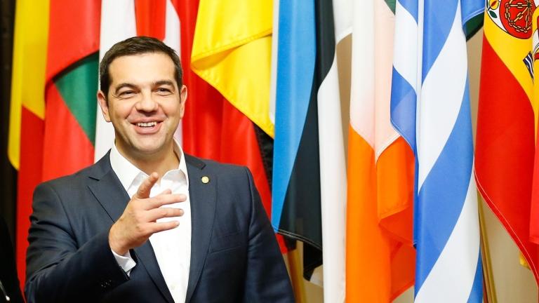 Коледният подарък на Ципрас: €1,4 милиарда излишък отива за гръцките семейства