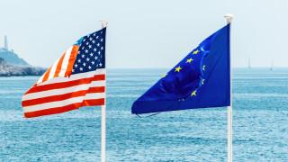 """Трансатлантическите отношения куцат, ЕС не е хищник, а """"мек и пухкав"""" вегетарианец"""