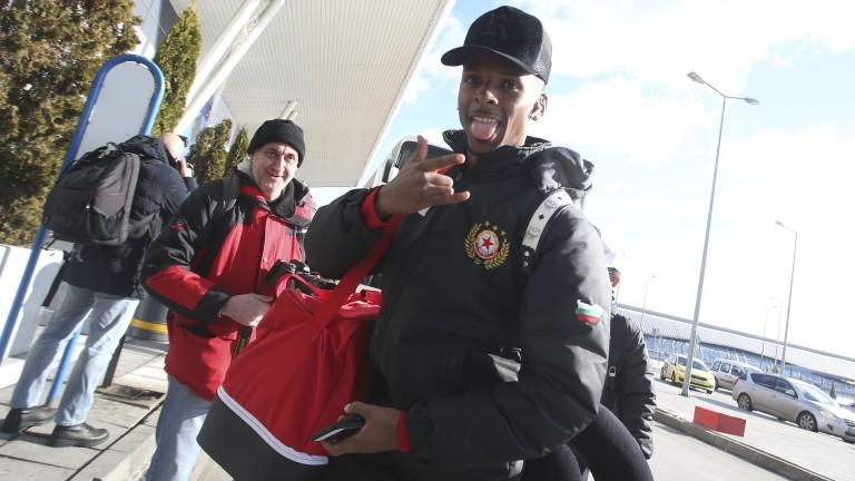 Футболистът на ЦСКА Енрике Рафаел желан от бразилски клуб