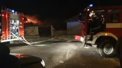 Семейство остана без дом след пожара в Казанлъшко