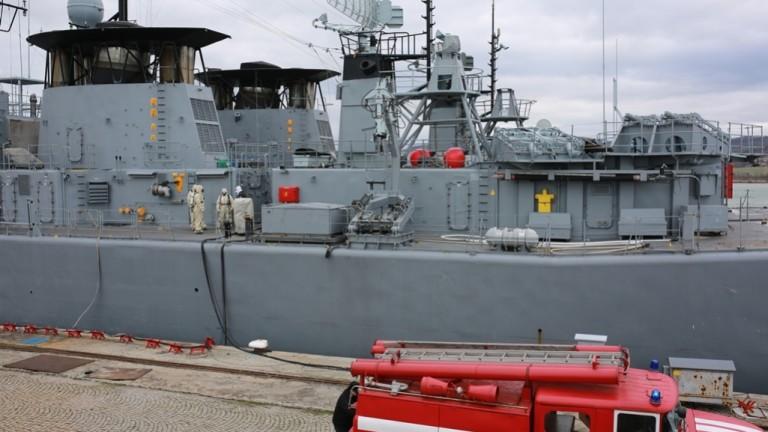 """Фрегатата """"Верни"""" се прибра във Варна, тестват екипажа за COVID-19"""