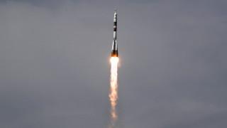 Експедиция 56-57 пое на двудневно пътуване към МКС