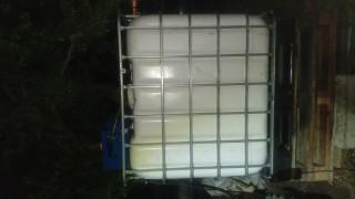 Митничари задържаха 1000 литра корабно гориво в земеделско стопанство