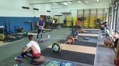 Щангистите тренират в новата зала на Белмекен