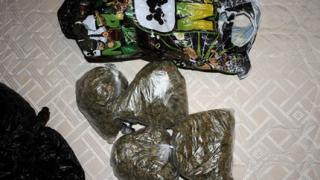 Закопчаха военен от Горна баня за търговия с дрога