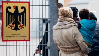 Германия регистрира едномилионния бежанец
