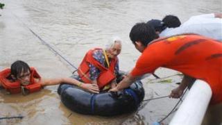 50 загинали при наводнения във Филипините