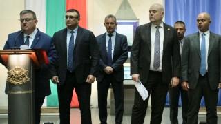 Николай Малинов с обвинение, Решетников със забрана да влиза в България