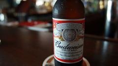 Най-големият производител на бира има причина да се притеснява за оцеляването си