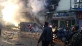 Въздушен удар изби цивилни на пазар в контролиран от бунтовниците град в Сирия