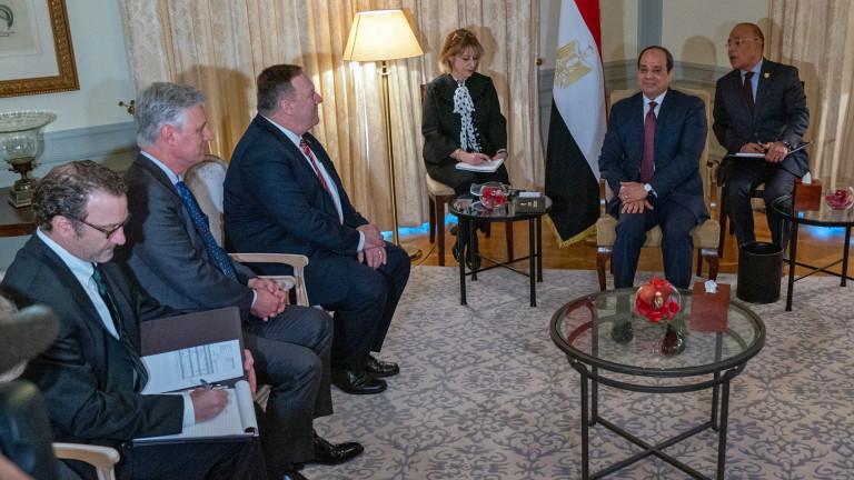 На международна среща за мир в Либия държавите се борят