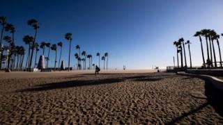 В Калифорния затвориха плажовете
