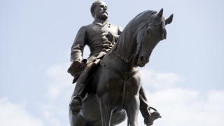Съдия спря премахването на статуята на генерал Робърт Лий във Вирджиния
