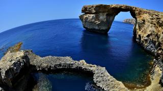 Рухна прочутият Лазурен прозорец в Малта