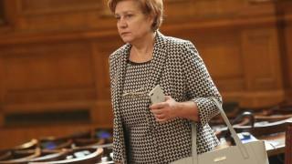Менда Стоянова: Почти всички оперативни програми изостават трета година