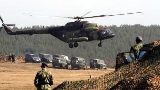 Сърбия провежда военен парад на фона на напрежение с Косово