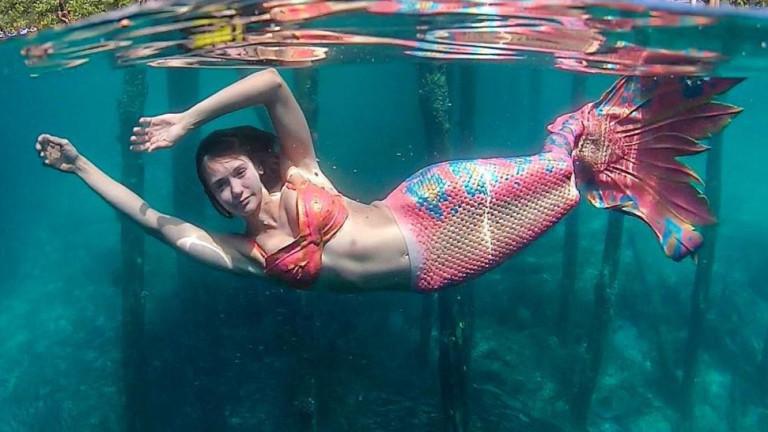 Нина Добрев като русалка