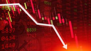 Пазарите в САЩ се оцветиха в червено заради страх от втора вълна