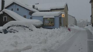 """Хиляди останаха без електричество в швейцарския ски курорт """"Цермат"""""""