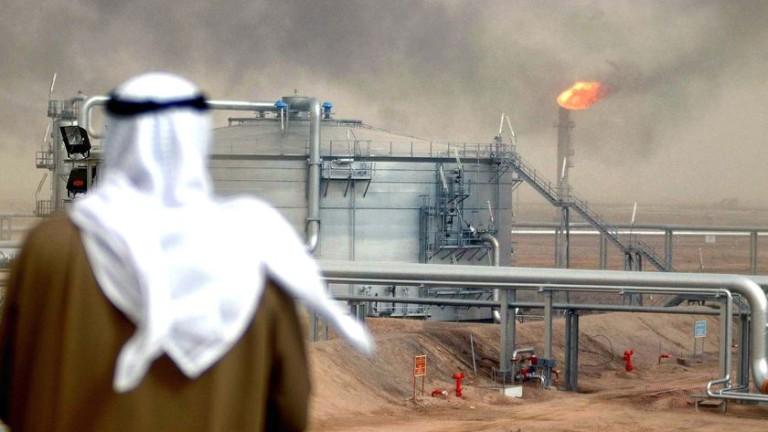 Петролът поскъпва заради конфликта САЩ - Саудитска Арабия