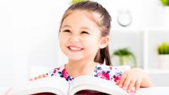 Защо родителите четат книги на децата си все по-малко