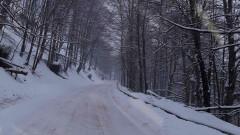 220 машини почистват районите със снеговалеж