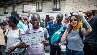 Франция задържа 21 мигранти след щурма на Пантеона