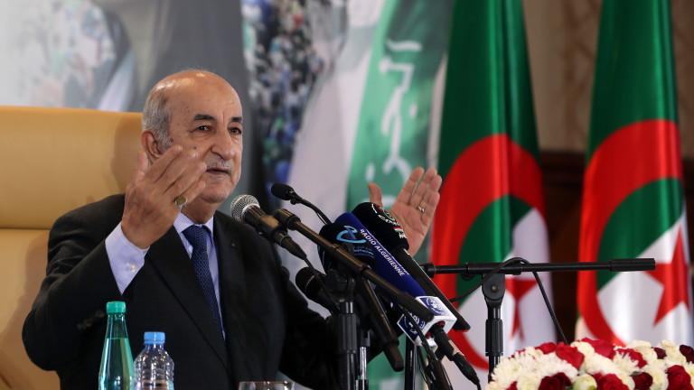 Президентът на Алжир пусна поправките в конституцията