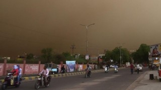 Десетки загинали от бури и мълнии в Индия
